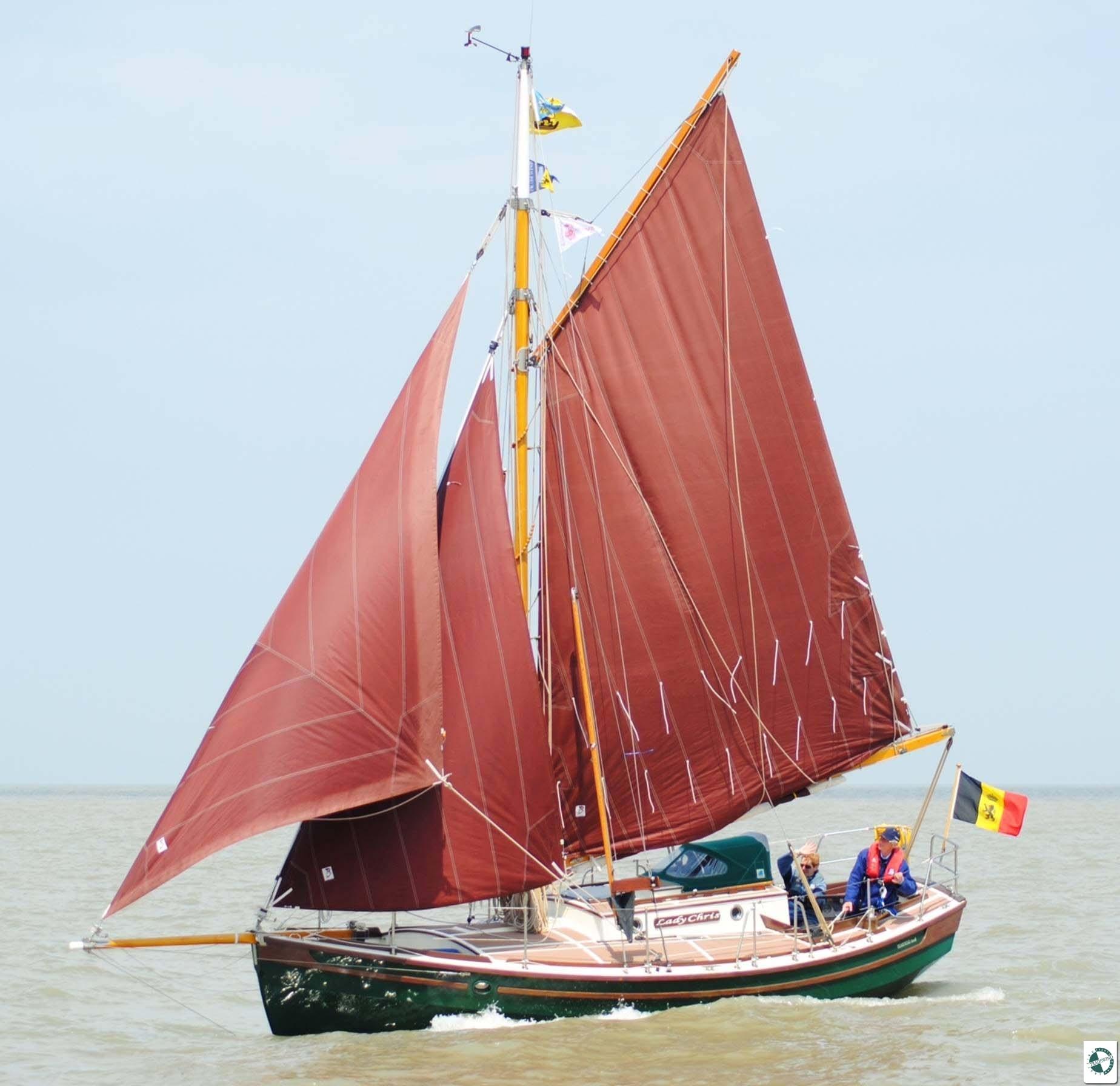 Tradewinds Generators: Tradewind Atoll 25' - Tradewind Yachts